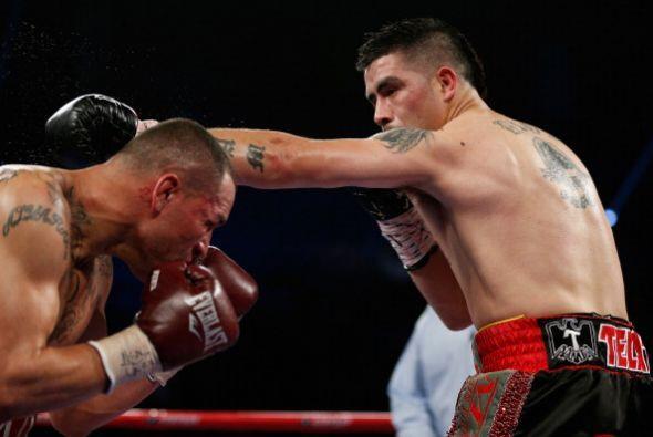 Mike se dedicó a boxear, no entró al intercambio de metralla sin sentido.