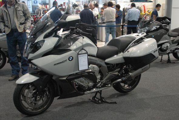 Pero además de este modelo, el fabricante germano mostró su nueva línea...