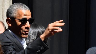 Obama asume un papel que raras veces se han visto en expresidentes.