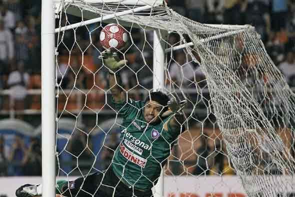 El segundo gol fue un tiro libre muy bien ejectudado por Chicáo, el arco...