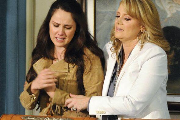 """Mientras que su verdadera madre, """"Adriana"""", sufría por no encontrarla."""