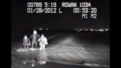 Policía rescató a dos mujeres en el Lago Ray Hubbard(Imágen via YouTube)