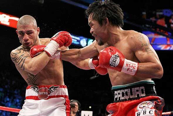 En 2009, el 'Pac Man' derrotó al boricua Miguel Cotto para elevar su cat...