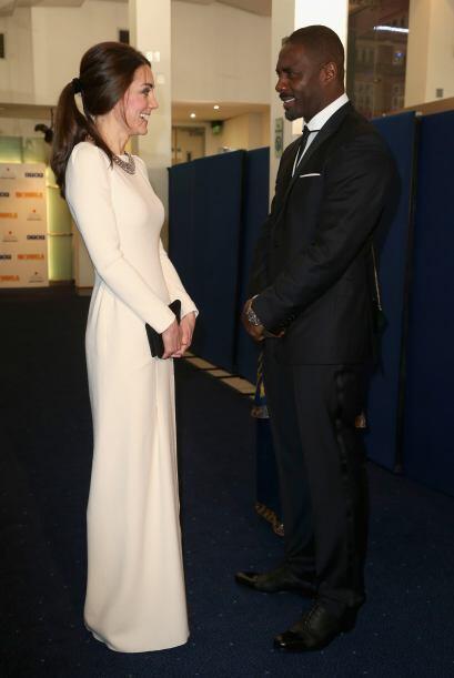 Kate tuvo la oportunidad de hablar con Idris Elba, quien le da vida a Ne...