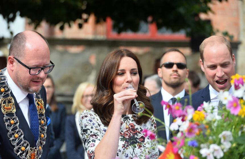 Mientras el príncipe William se recuperaba, Kate Middleton finalmente pr...