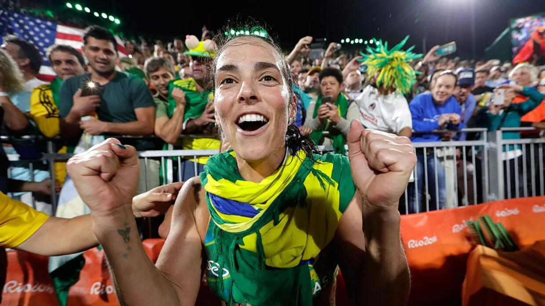 Las brasileñas Ágatha y Bárbara se clasificaron hoy...