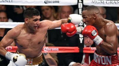 Amir Khan demostró lo mejor de su boxeo ante Devon Alexander.