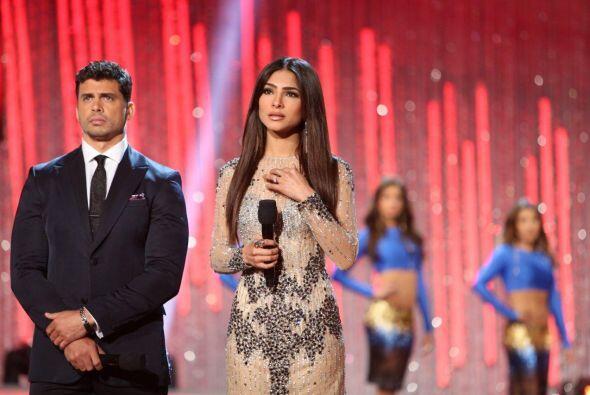 Bellísima Alejandra Espinoza, ese vestido le quedó como an...