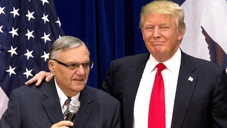 Joe Arpaio y Donald Trump durante la campaña electoral de 2016.
