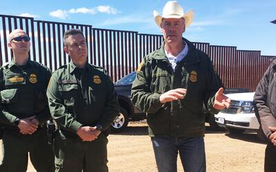 El Secretario del Interior, Ryan Zinke, realizó un recorrido por...