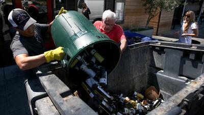 La limpieza de los escombros en California podría tardar semanas