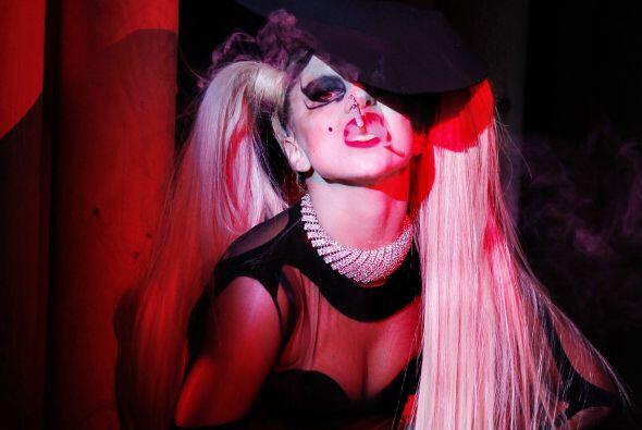 Lady Gaga en el escenario este fin de semana pidió legalizar el matrimon...