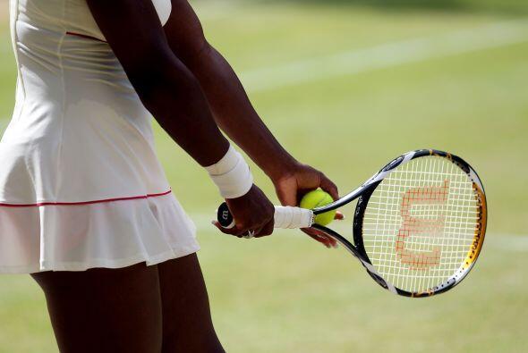 Definitivamente una belleza de piel de ébano. Serena, amante de la moda,...