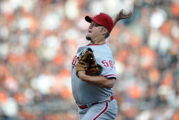 Por los Phillies, Joe Blanton trepó al cerrito sufriendo la misma suerte...