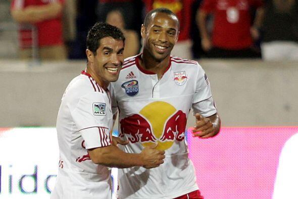 Thierry Henry hizo el segundo gol para los Red Bulls y el primero suyo e...