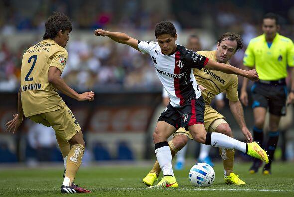 Ronagnolli perdió uno de los duelos de media cancha contra González, al...