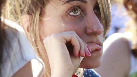 Los tics nerviosos como comerse las uñas pueden ser un buen indic...
