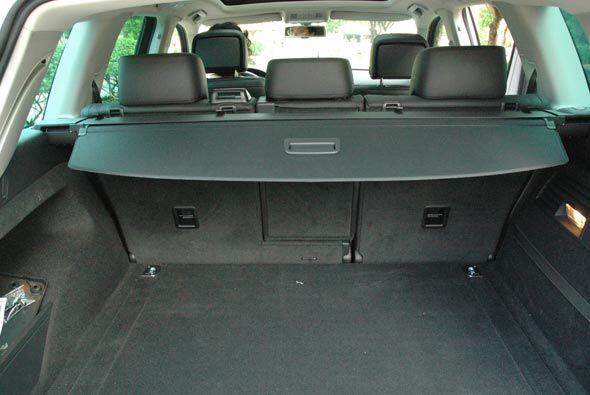 Sus ejes más anchos le ayudan a tener mayor espacio en el interior.