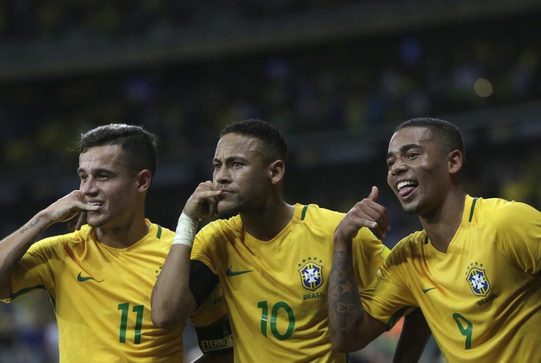 Brasil estuvo de fiesta en el clásico contra Argentina AP_16316031114105...