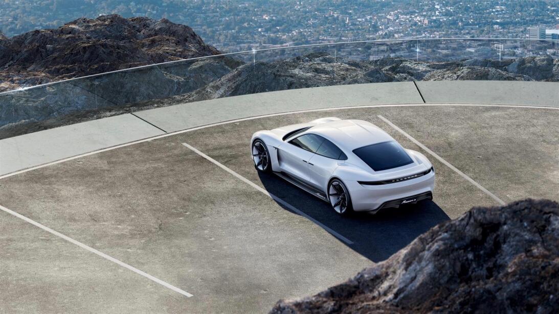 Los secretos del Mission E, el 'mata-Tesla' de Porsche porsche-zoom-1.jpg