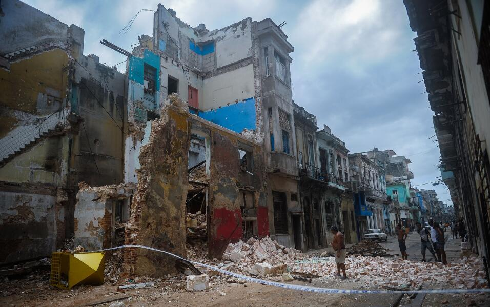 Cuba says 10 died in passage of Hurricane Irma GettyImages-844943810.jpg