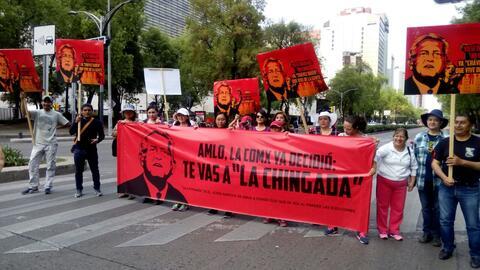 Varios manifestantes contra López Obrador en Ciudad de Méx...