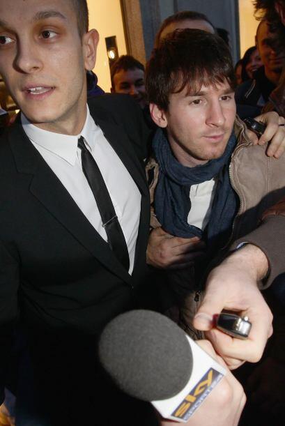 De hecho, 'La Pulga' juró amor eterno al Barça ante las preguntas de los...