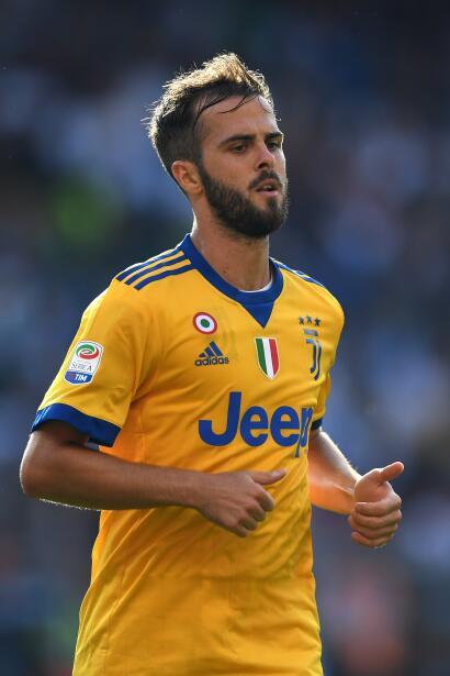 9. Miralem Pjanic (Juventus F.C.) - 4,5 millones de euros