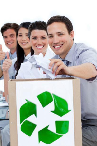 El papel y el cartón son los materiales que más se reciclan por peso, si...