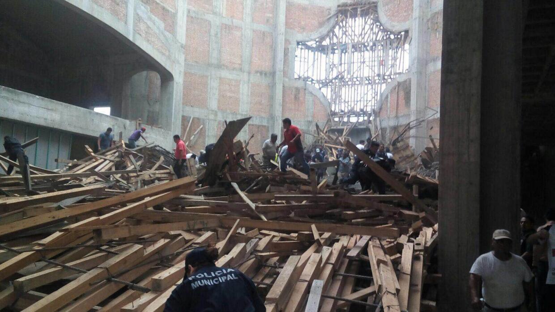 Labores de rescate tras el derrumbe