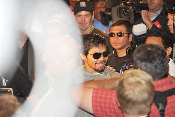 En medio de la multitud apareció la figura del 'Pac-man'.
