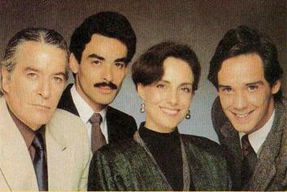 Pasión y Poder fue protagonizada por Diana Bracho y Carlos Bracho en 1988.