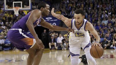 Steph Curry y Kevin Durant conducen a Warrios a paliza sobre Suns