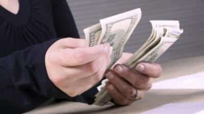 A pesar de tener un salario más elevado, los gastos son mayores impidien...