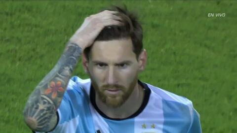 Goooolll!!! Francisco Andrés Silva Gajardo anota su penalti para el Chile
