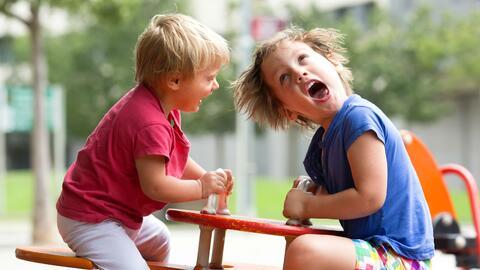 Lo que aprendí llevado a mis hijas al playground