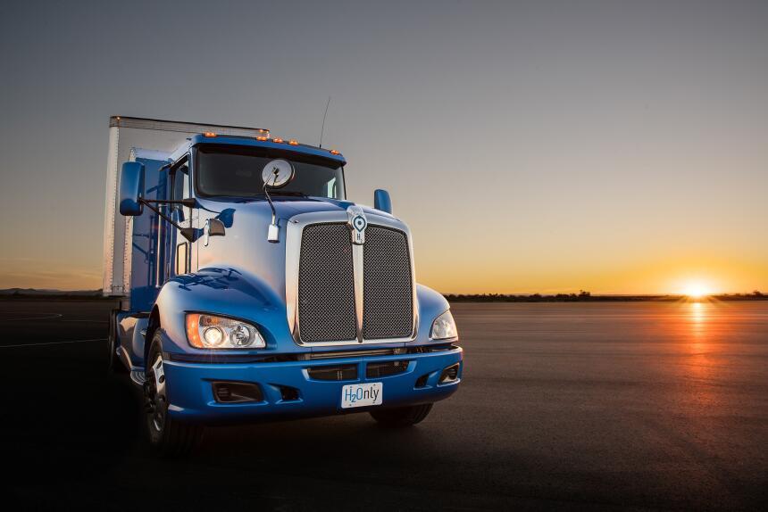 Fotos del nuevo camión tráiler concepto eléctrico con celdas de combusti...