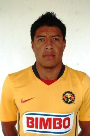 Eloeh Israel Solórzano juega como medio de contención y es de los futbol...