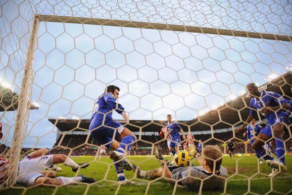 El segundo tanto lo marcó Etherington de tiro penal. Stoke City se quedó...