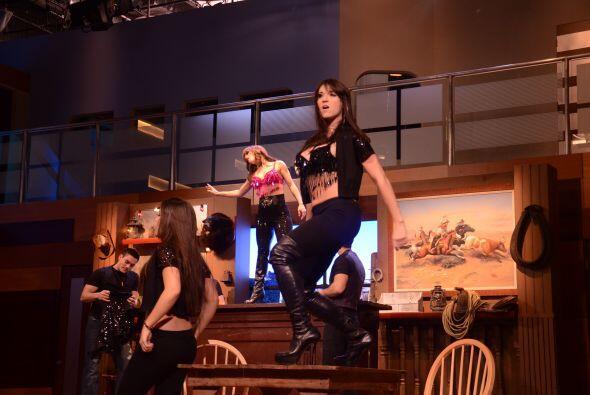 Laura estuvo feliz de cantar la canción de Selena pues sabe lo important...