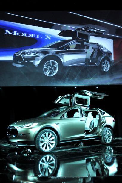 Tesla Model X: El diseño de este concepto es bastante futurista, sobre t...