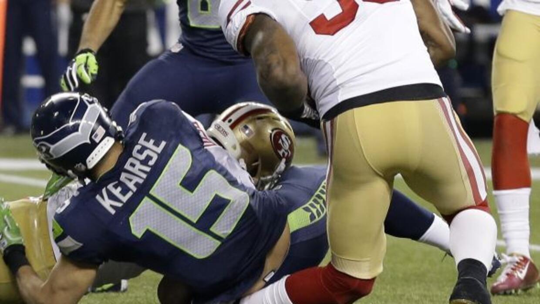 Esta fue la terrible lesión de NaVorro Bowman (AP-NFL).