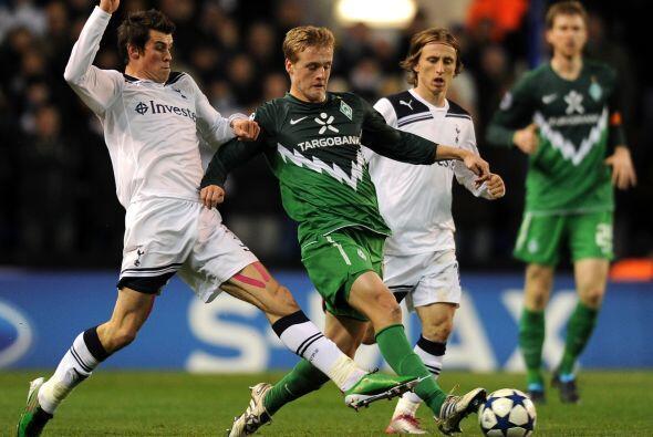 En ese mismo sector, el Tottenham de Inglaterra recibía al Werder Bremen...
