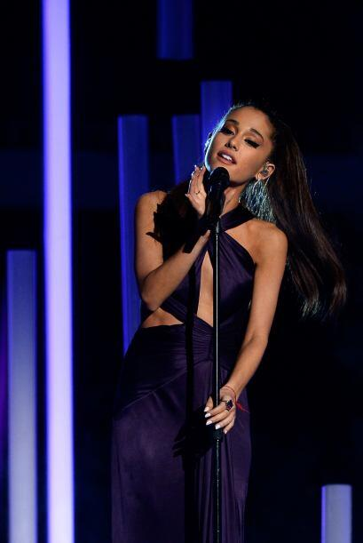 Ariana Grande no podía faltar en la entrega de los GRAMMY.