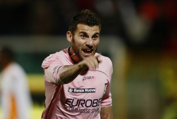 Y aún faltaba el gol de Nocerino para el 3-0 lapidario.