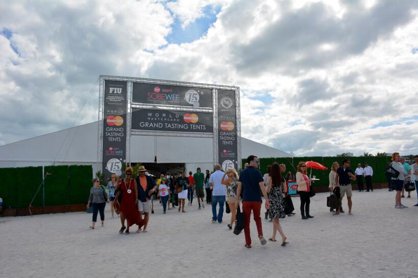 Cientos disfrutaron del South Beach Wine and Food Festival 2016 DSC_6244...