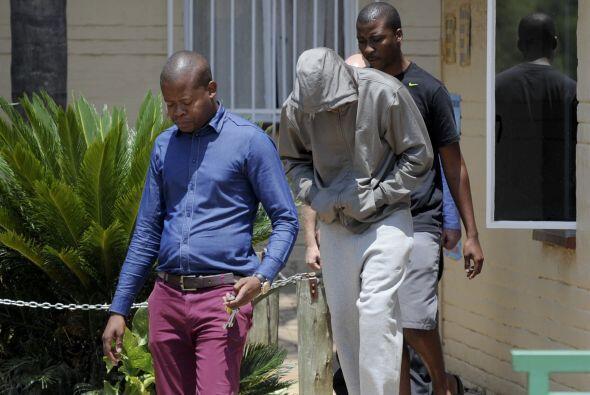 Pistorius, que fue detenido bajo la acusación de haber asesinado...