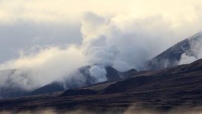 Este cráter hizo erupción el pasado 6 de agosto, luego de haber permanec...