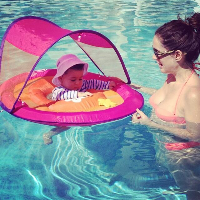 ¡Jacqueline Bracamontes está embarazada! JB18.jpg