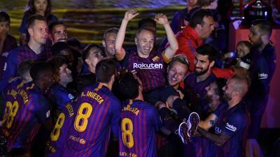 En fotos: ¿Quiénes han sido los últimos 10 capitanes del FC Barcelona?